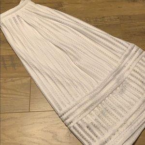 H&M size 6 white Midi Skirt